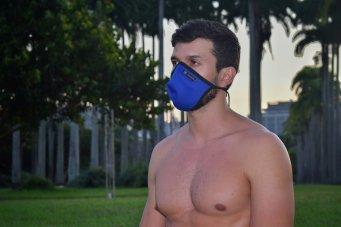 Máscara cup em neoprene azul royal