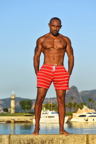 Shorts listras em viscose e elastano