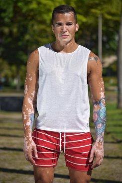 Camisa sem manga metalizada branca